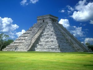 Pyramid of Kukulkan, Chichen Itza, Yucatan Peninsula, Mexico
